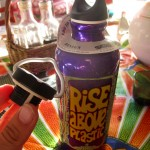 RISE ABOVE PLASTIC - Edelstahltrinkflasche
